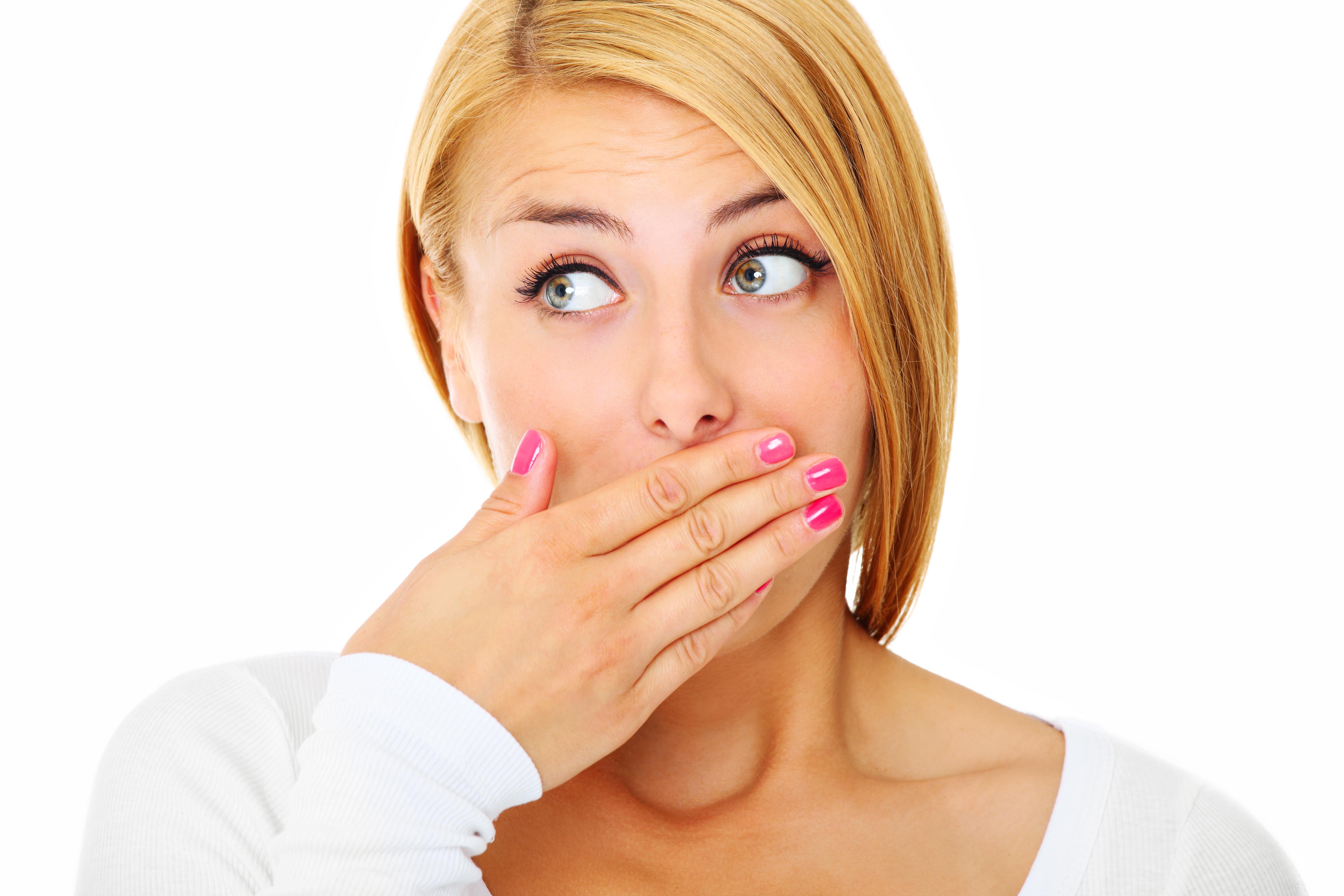 плохой запах изо рта причина и лечение