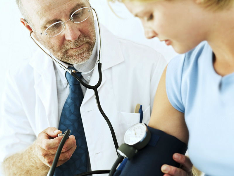 Повышение артериального давления и гипертонический криз: первая  помощь