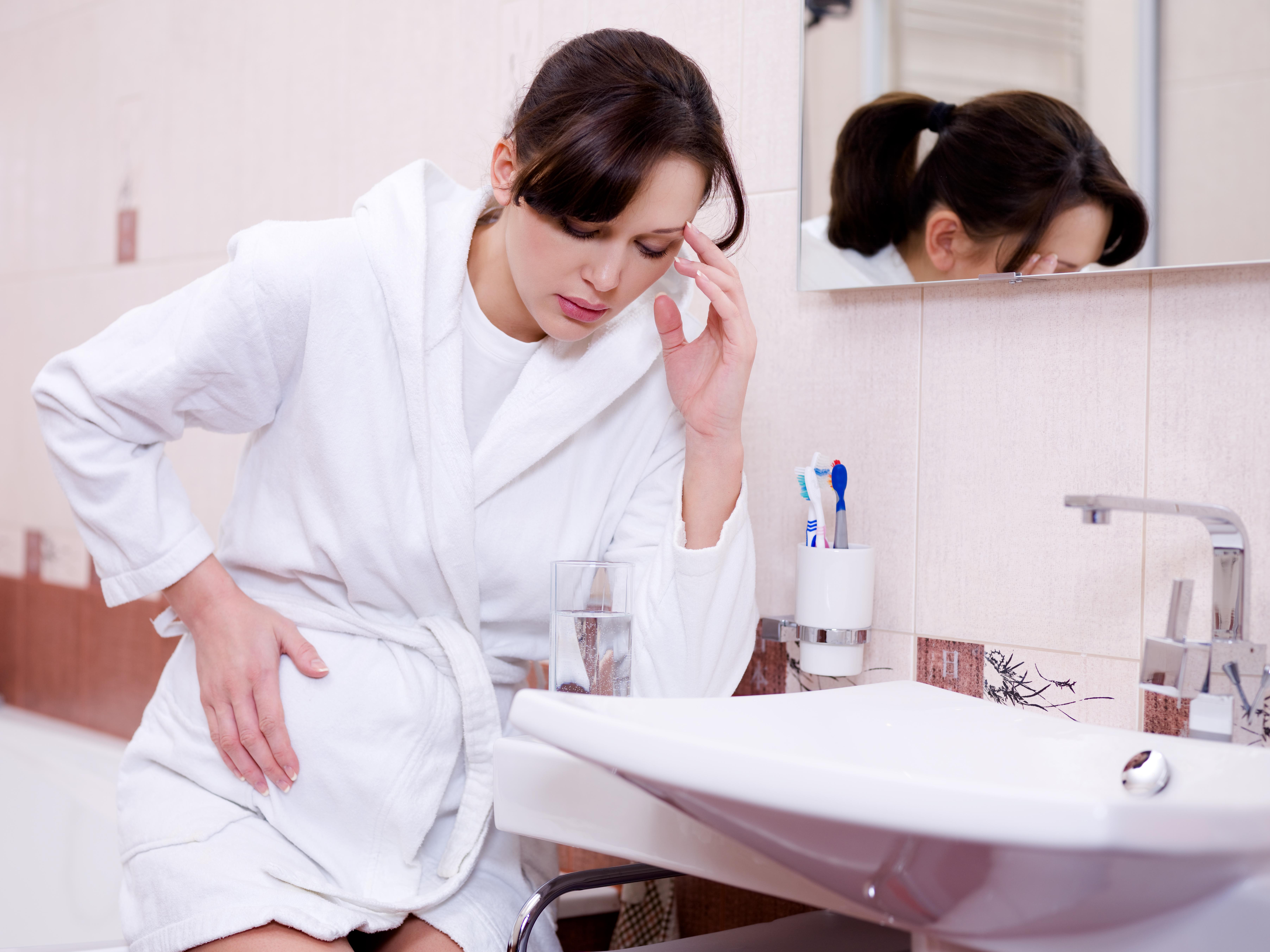 Почему болит желудок при беременности