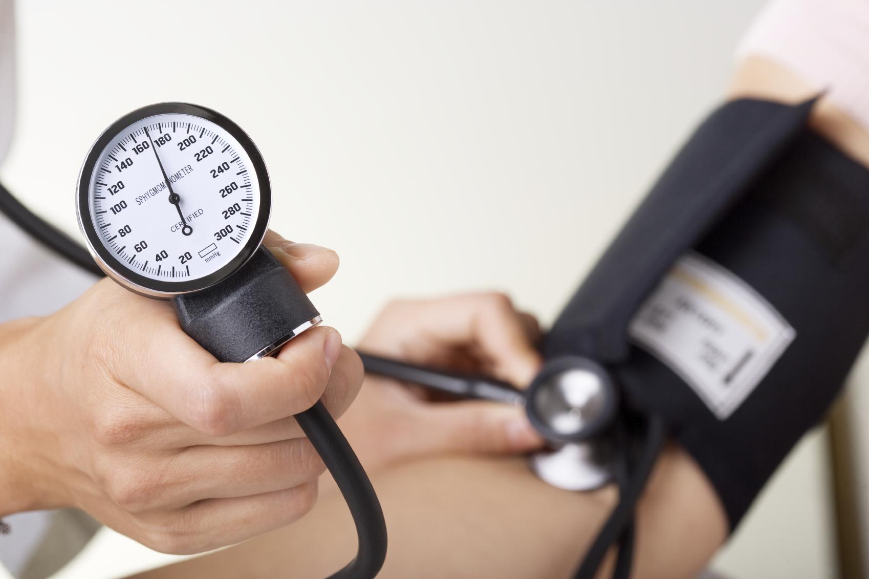 Симптомы повышенного давления, которые скажут о проблеме без тонометра