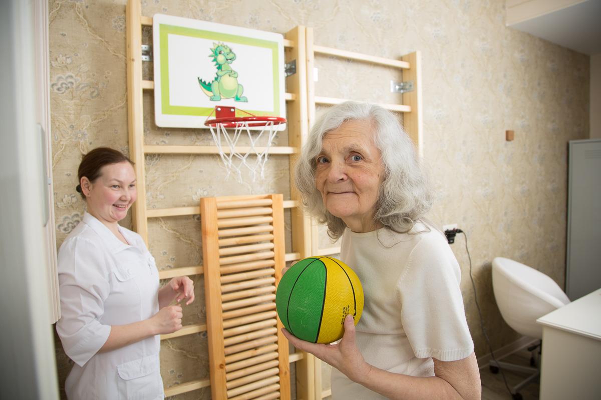 Спастичность  после  инсульта:  как действовать,  чтобы  жить?