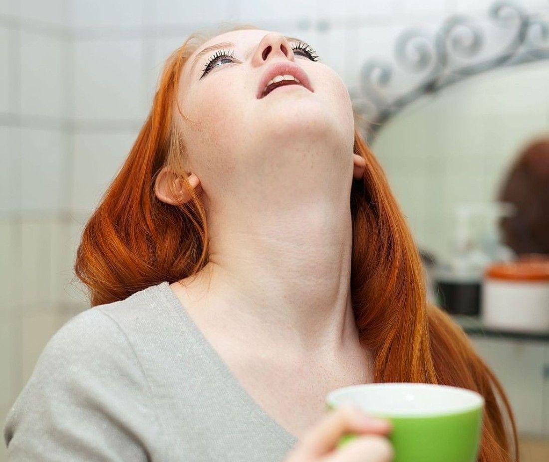 Лечение горла мирамистином с помощью полосканий