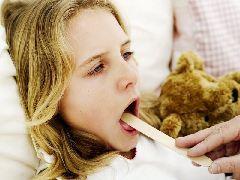 Как использовать мирамистин для детей и грудничков — советы мамам