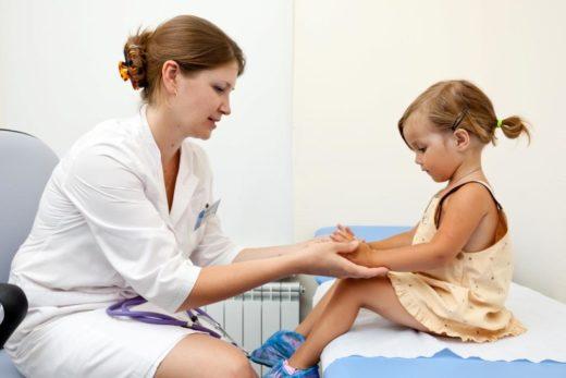 Девочка на приёме у гинеколога