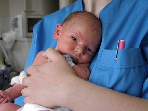 Глаза недоношенного ребёнка