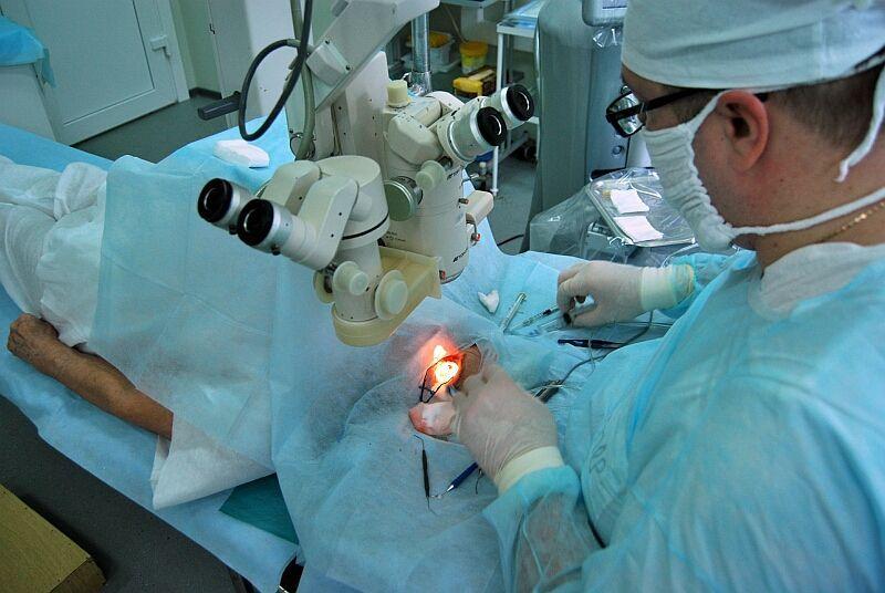 Имплантация Хрусталика фото