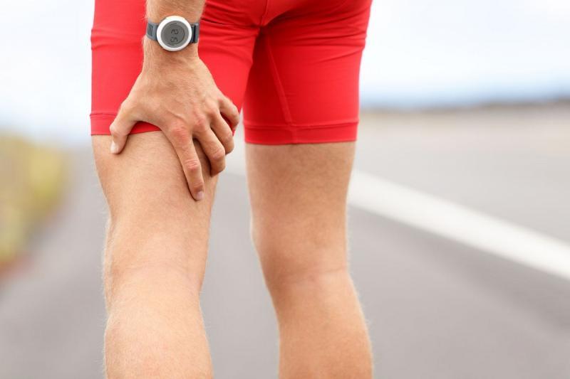 Немеет нога от бедра до колена: сложные причины простого симптома