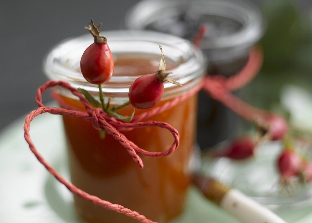 Как варить компот из шиповника для ребенка