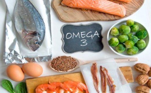 Набор продуктов (рыба, яйца, брюссельская капуста, грецкие орехи)