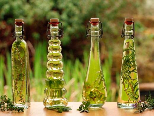 Настои в стеклянных бутылках