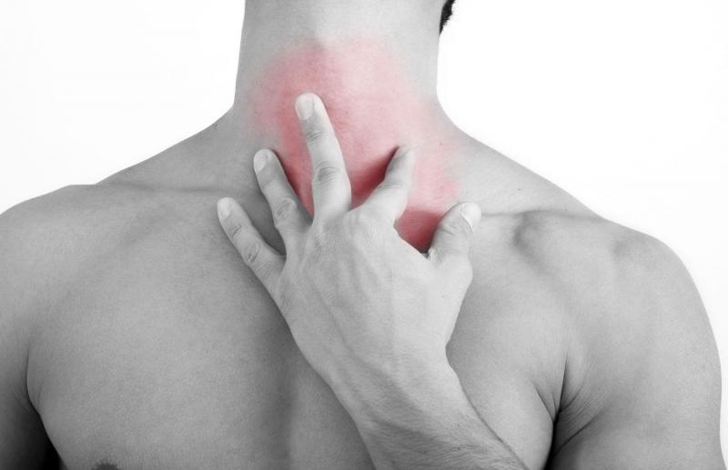Ком в горле при шейном остеохондрозе: причины и лечение