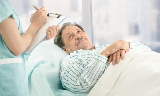 Пациент проходит реабилитацию после операции