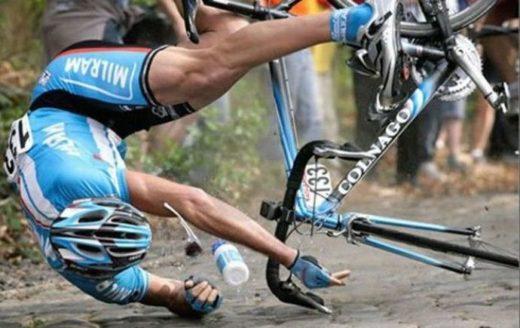 Падение на плечо с велосипеда