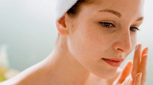 Нанесение геля на кожу