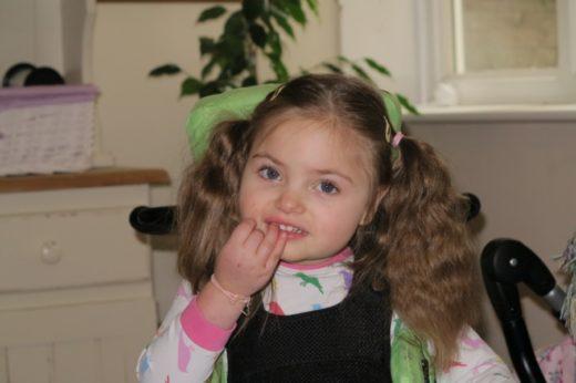Девочка с синдромом Ретта
