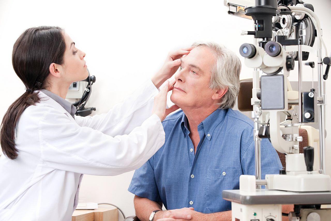 Острый конъюнктивит: первые симптомы и эффективное лечение