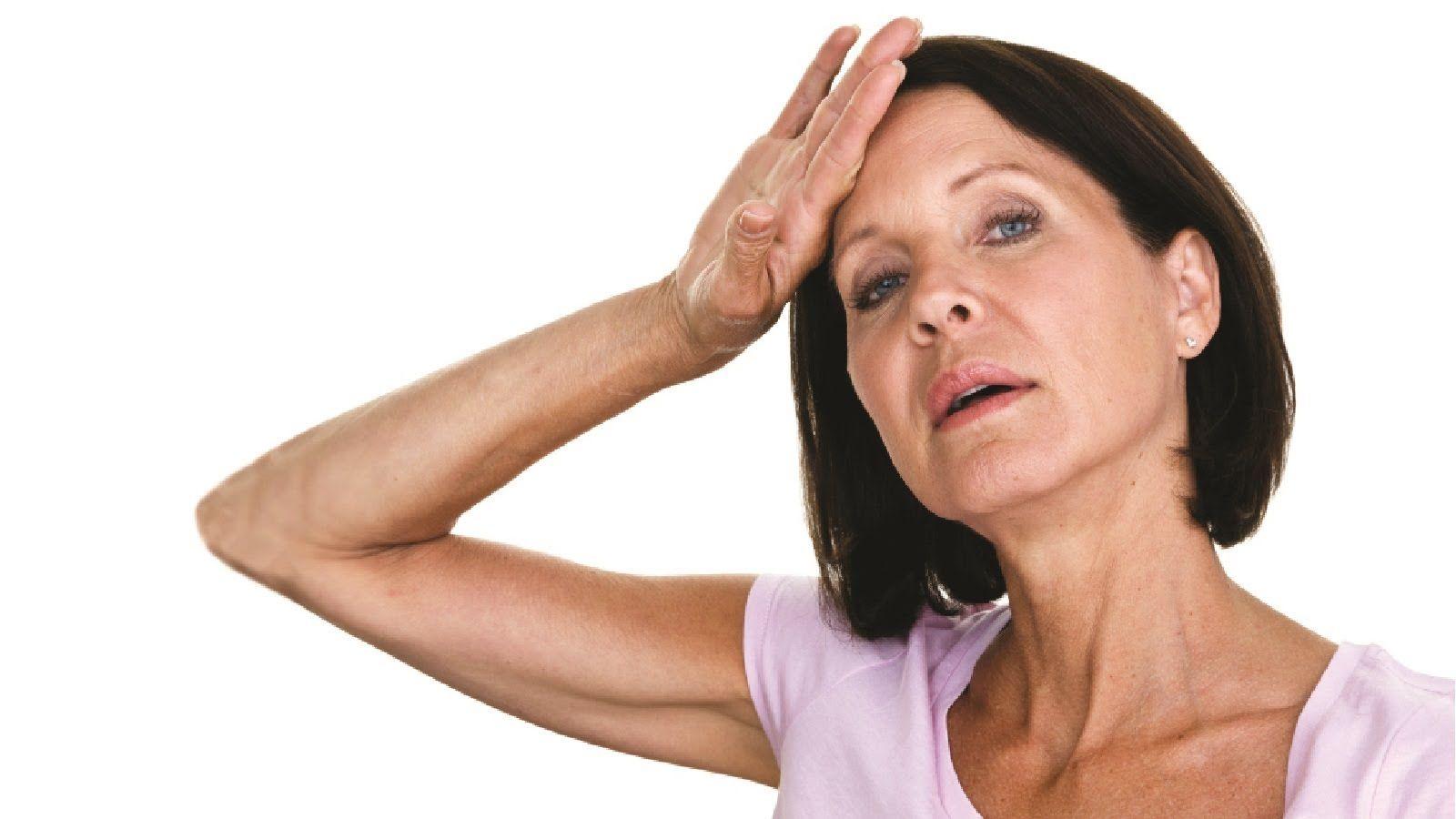 почему женщина 41год потеет