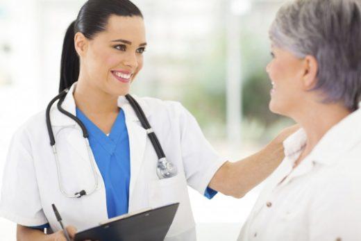 Женщина и врач